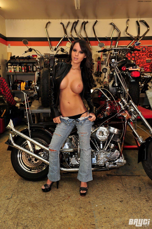Naked Biker Chick Pics