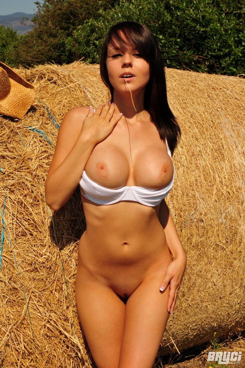 Sexy Nude Amateur Country Girls