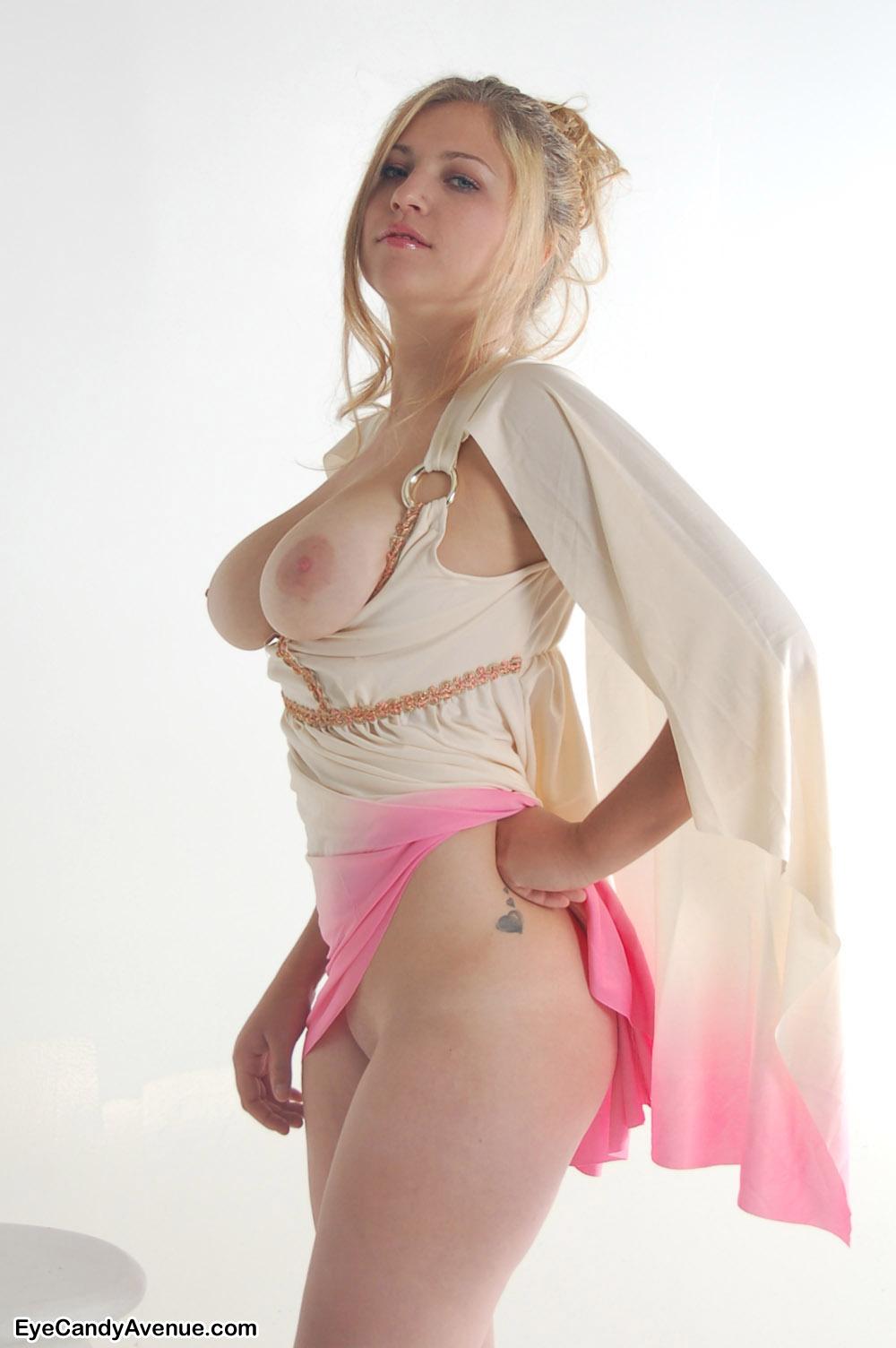 busty-kandy-nude