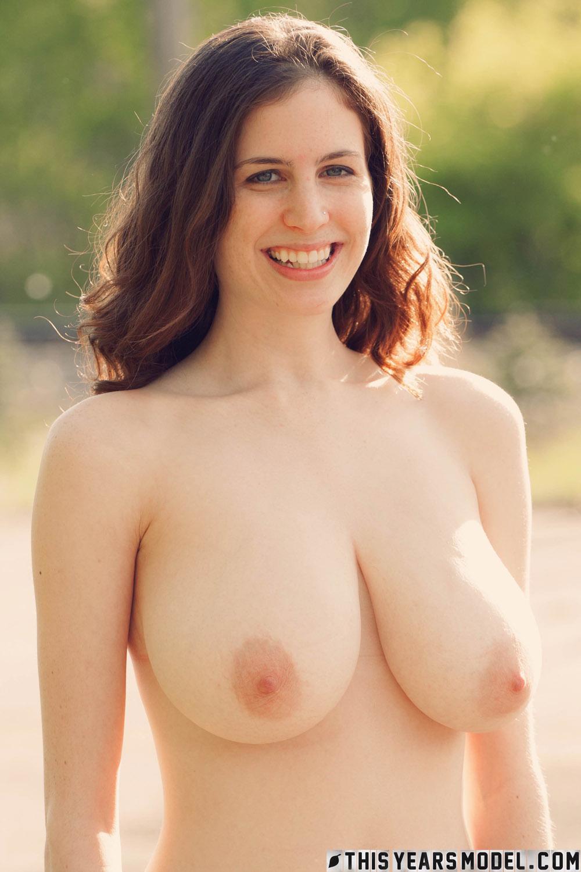 Katie carsten boobs