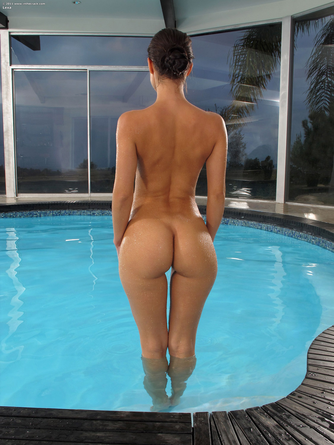Bubble butt ass dude naked show his sexy body