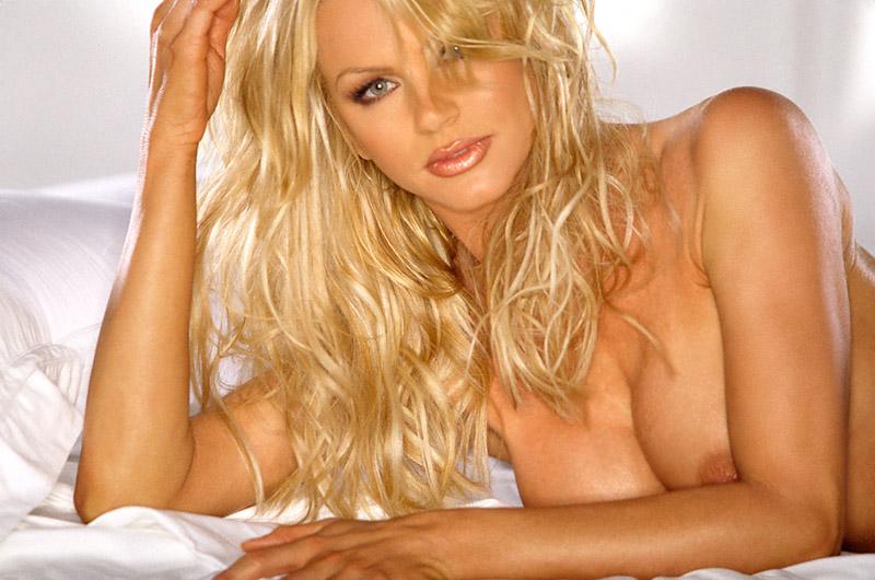 Fotos conozca a nikki ziering la sexy conejita que nunca quiso salir con mick jagger