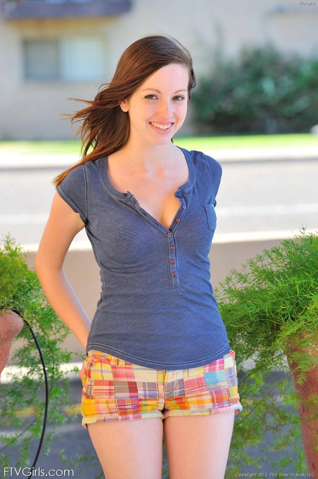 floppy-cute-girl-next-door-teen